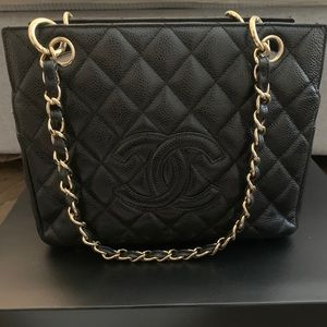 CHANEL Matelasse CC Chain Shoulder Tote